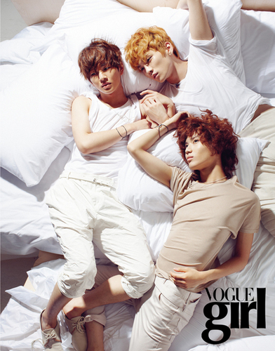 SHINee in the kitanda ☆ Vouge Girl Pictorial