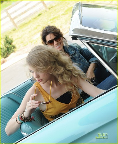 Taylor Swift: Thelma & Louise with Shania Twain, Part 2!
