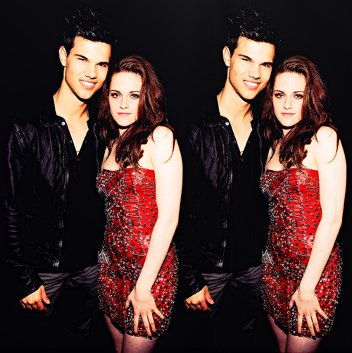 http://images4.fanpop.com/image/photos/22700000/Taysten-at-MMA-s-kristen-stewart-and-taylor-lautner-22797926-500-501.png