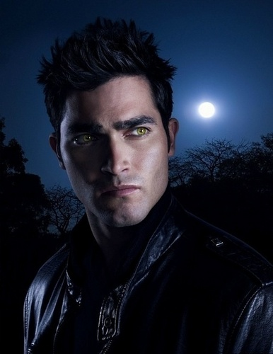tyler hoechlin wallpaper entitled Teen lobo - Derek Hale