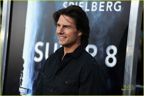Tom Cruise: 'Super 8' Premiere with Elle Fanning!