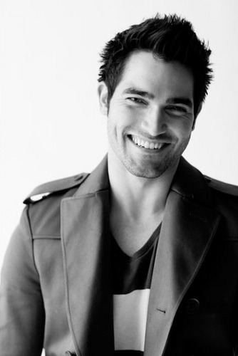 Tyler Hoechlin - Teen lobo Nylon Photoshoot