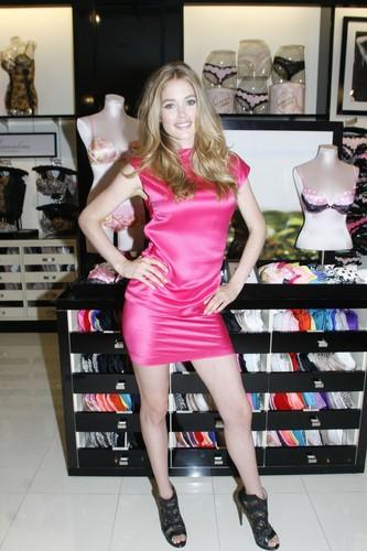 Victoria's Secret Summer Bombshell Tour in Dallas