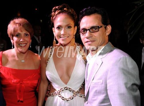 jennifer lopez family