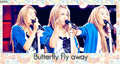 miley cyrus pics while she is singing