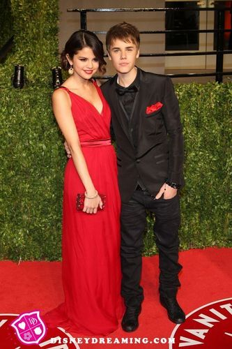 selena_mgomez and justindrew_b wallpaper called selena and justin