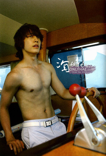 ♥Topless Donghae♥