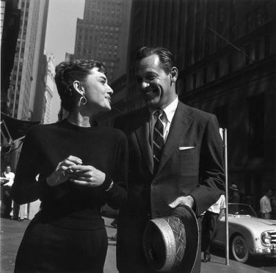 1954 Audrey Hepburn with William Holden at Lower Manhattan