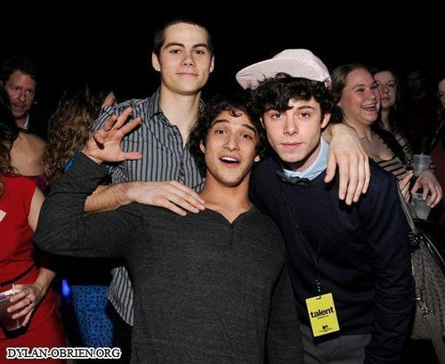 Dylan O'Brien karatasi la kupamba ukuta entitled 2011 MTV Networks Upfront After-Party- 2/2