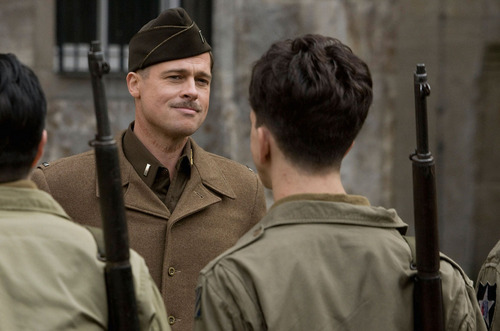 Inglourious Basterds wolpeyper with a green beret, panlabang uniporme, and uniporme entitled Aldo Raine