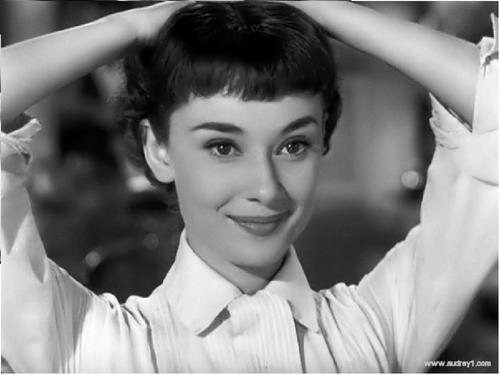 Lovely Hepburn in Roman Holiday ( 1953 )