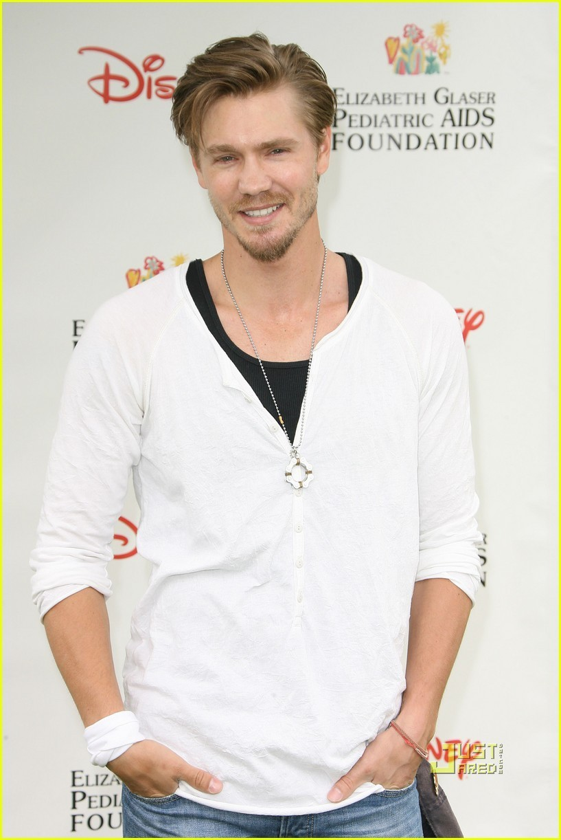 Chad Murray: A Time for Heroes Picnic! - chad-michael-murray photo
