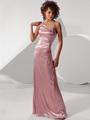Роскошное платье на одном плече.