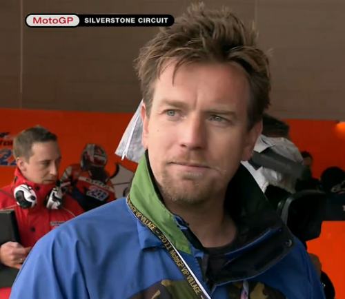 Ewan McGregor fond d'écran called Ewan at MotoGP 2011