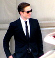 HQ фото of Robert Pattinson on the Cosmopolis set today
