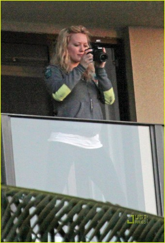 Hilary Duff & Mike Comrie 바탕화면 possibly containing a sign and a family room titled Hilary Duff & Mike Comrie: Proposal
