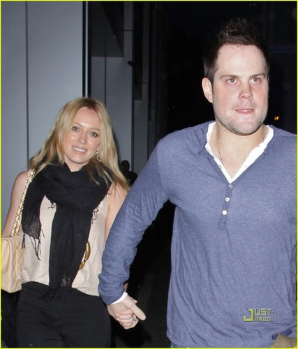 Hilary Duff & Mike Comrie fondo de pantalla probably containing a leisure wear and a pullover called Hilary Duff & Mike Comrie