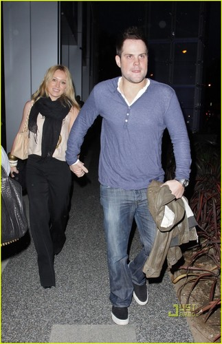 Hilary Duff & Mike Comrie fondo de pantalla possibly with a barrow called Hilary Duff & Mike Comrie