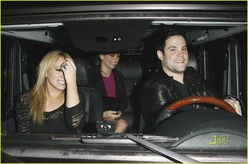 Hilary Duff & Mike Comrie fondo de pantalla containing an automobile entitled Hilary Duff & Mike Comrie