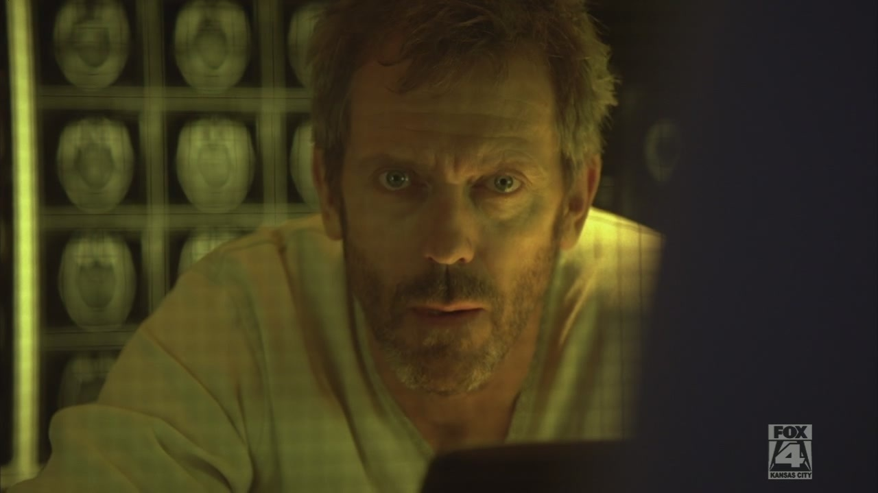 What does Hugh Laurie (Dr. House) do at night 39