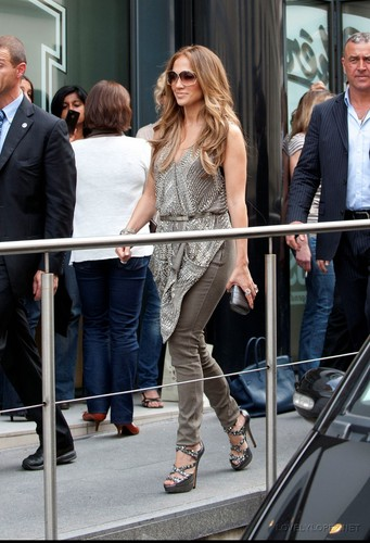 JLO - NEW CANDIDS: LEAVING HER PARIS HOTEL 06/14