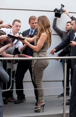 JLO - NEW CANDIDS: LEAVING HER PARIS HOTEL 06/14