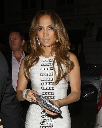 Jennifer - Back at her Hotel after Allan Carr दिखाना - June 13, 2011