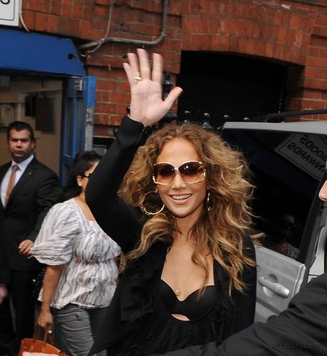 Jennifer - Leaving her London Hotel - June 11, 2011