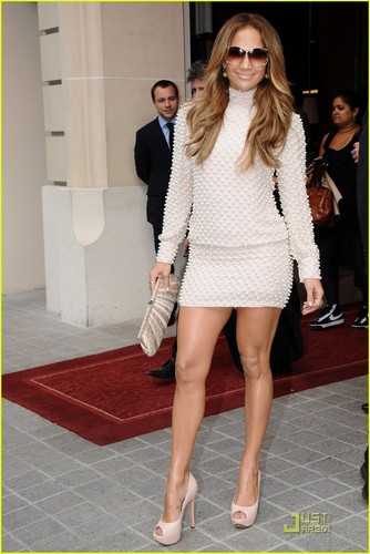 Jennifer Lopez: 'X Factor France' Performance!