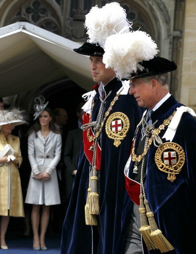 Kate Middleton and Prince William Don Fancy Hats For meer Royal Duties / http://princewilliamnews.tu