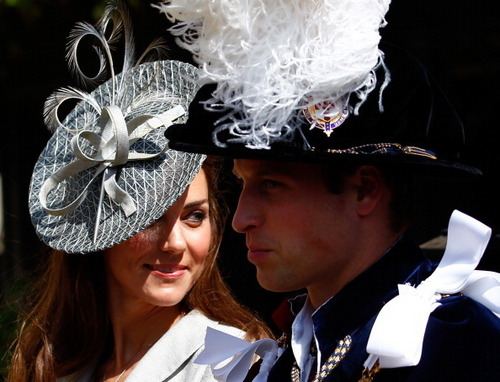 Kate Middleton and Prince William Don Fancy Hats For lebih Royal Duties / princewilliamnews.tumblr.co