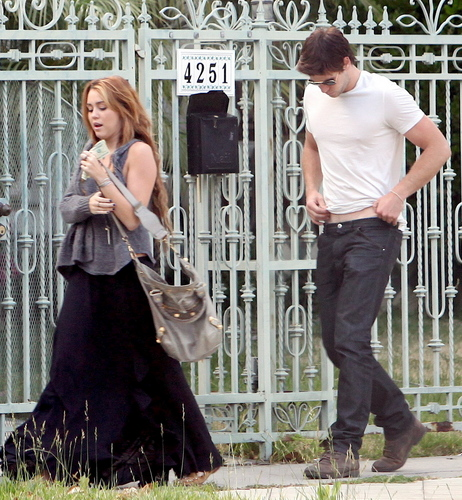 Miley - Outside Liam Hemsworth's House in Beverly Hills (9th June 2011)