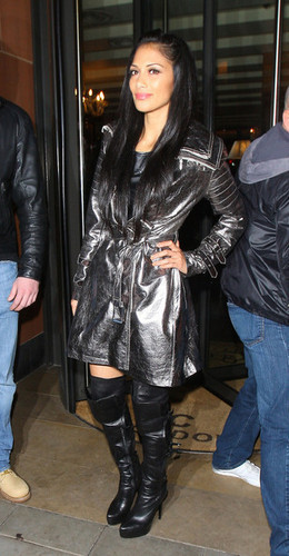 Nicole Scherzinger poses up for photographers while leaving C Londres restaurant in Mayfair