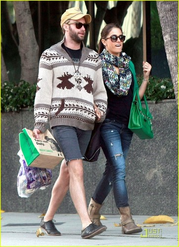 Nikki Reed & Paul McDonald: Holding Hands in Hollywood!
