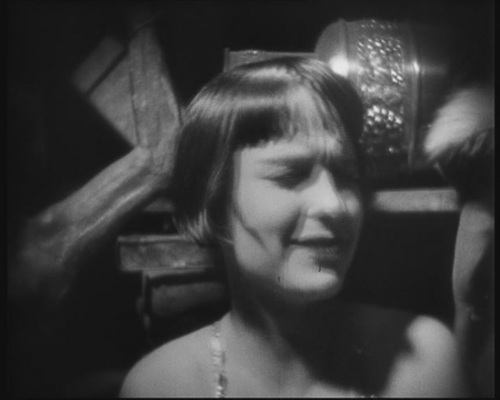 http://images4.fanpop.com/image/photos/22800000/Pandora-s-Box-louise-brooks-22812569-500-400.jpg