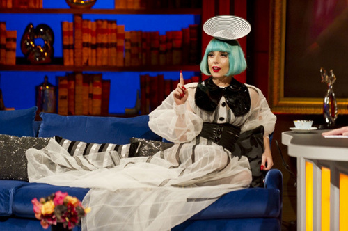 Lady Gaga fond d'écran probably containing a lectern entitled Preview: Lady Gaga on 'Paul O'Grady Live'