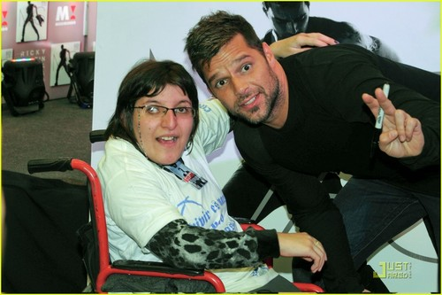 Ricky Martin Opens Children's Center in Puerto Rico!