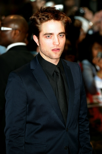Robert pattinson in london primere
