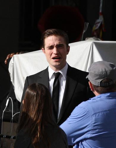 Robert pattinson in set cosmopolis
