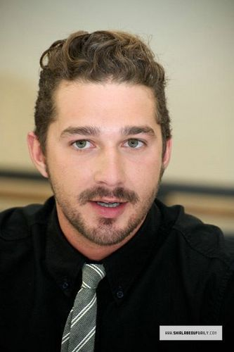 Shia @ trasnpormer Dark of the Moon Press Conference