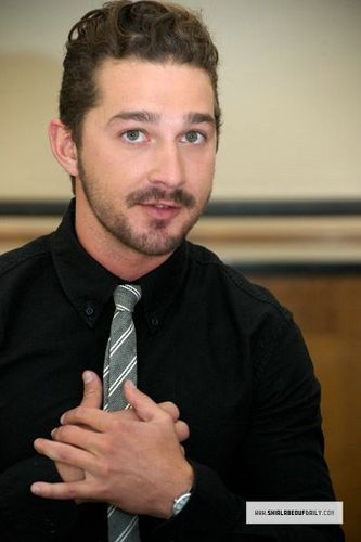 Shia @ Transformers Dark of the Moon Press Conference