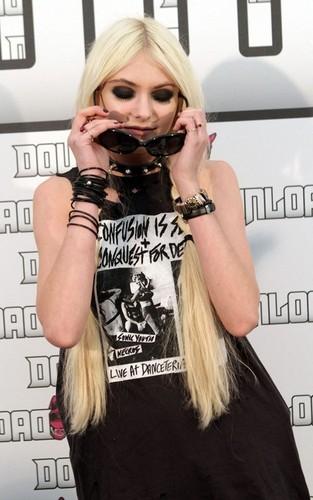 Taylor Momsen at Download Festival (June 12).