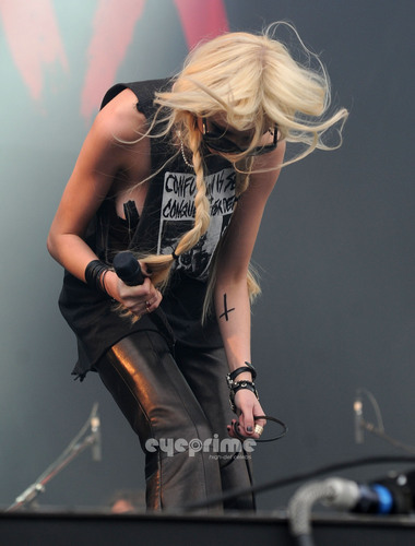 Taylor Momsen performs during 2011 Download Festival in the UK, Jun 12
