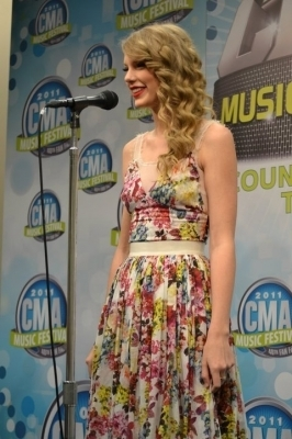 Taylor pantas, swift 2011 CMA Muzik Festival Press Conference