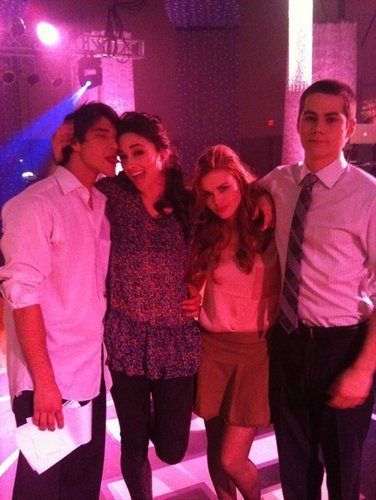 Teen lobo Cast BTS