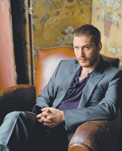 Tom Hardy wallpaper with a business suit, a suit, and a well dressed person called Tom Hardy
