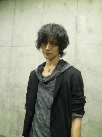 Toshiya foto-foto for Magazine: Rockin' On Jepun (June 13, 2011)