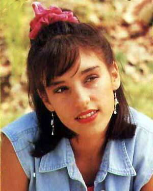 Amy Jo Johnson wallpaper containing a portrait titled amy jo johnson