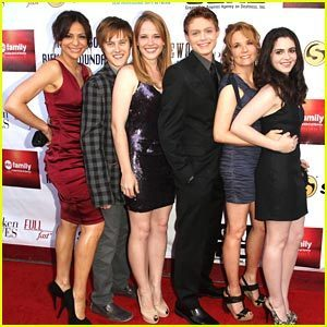 switched at birth cast,shocked teens and adults.will they make it through the living arangement?