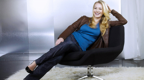 Yvonne Strahovski wallpaper possibly containing a living room titled ys